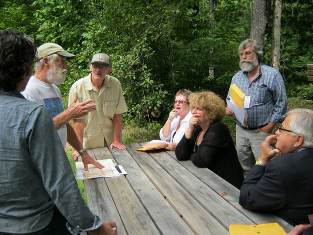 Dave Houston speaking to a group at Greenbank's Hollow.